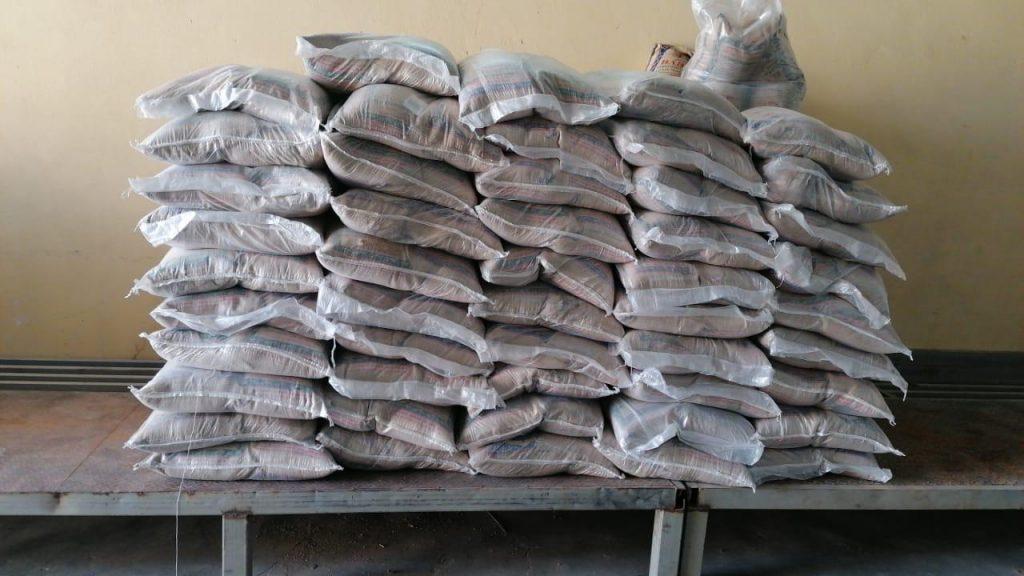 الجمعية تستقبل 400 سلة غذائية من مؤسسة الغويري الخيرية